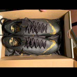 Nike Vapor 12 Elite Soccer Cleats